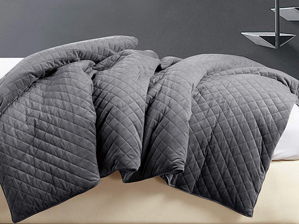 BlanQuil Quilted Weighted Blanket3.jpg (123 KB)